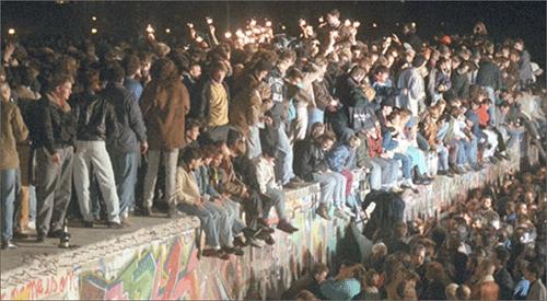 베를린-장벽-붕괴-2