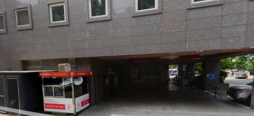 라마다 동대문 호텔 주차장