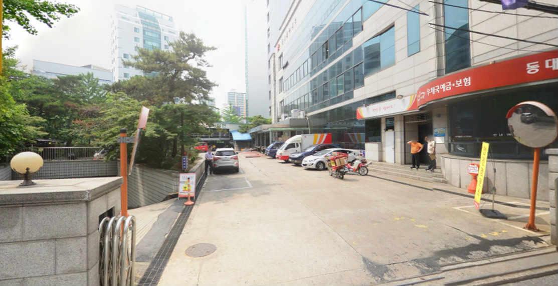 동대문 우체국 주차장